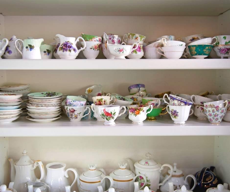Hummingbird Tearoom Teacups and Teapots
